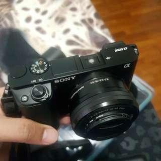 Black Sony A6000