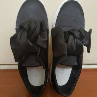 VNC black slip on