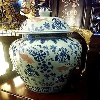 Chinese Vintage Antique Porcelain huge Jar With Lid Handpainted Heavy