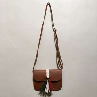 Brown pouch/sling bag 👜