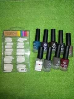 Fake nails w/ 9pcs assorted Nail Polish