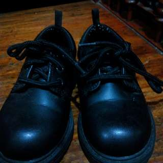 Authentic George Leather Shoes Sized 8