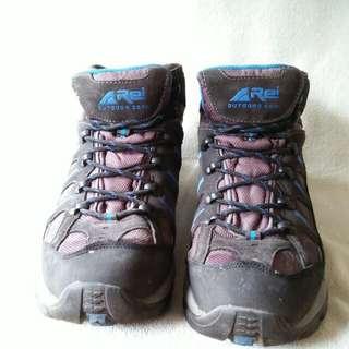 Sepatu gunung Rei size 43