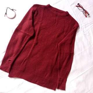 Sweater Merah Tua