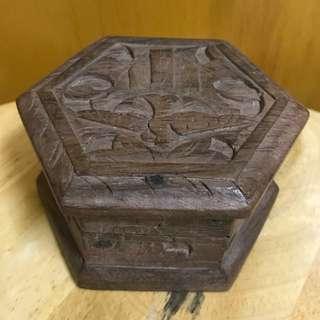 木雕首飾盒