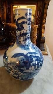 Blue n white vase