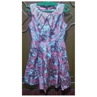 Midi dress from Minimal