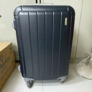 ELLE 4 Wheels Luggage Size H 26inch W 16inch. Lost key
