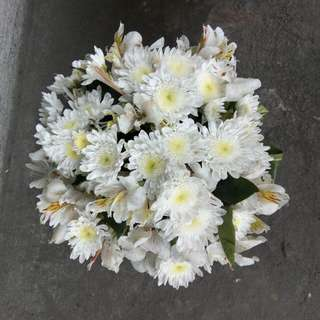 Global Floral Arrangement (Round White) for Sale