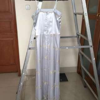 Dress silver panjang