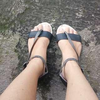 Sandal tltsn