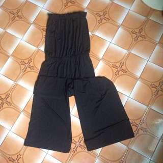 🚚 黑色平口連身褲
