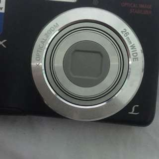 Panasonic Lumix DMC-LS5 Camera