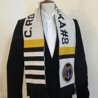 C.RONAL & KAKA 頸巾