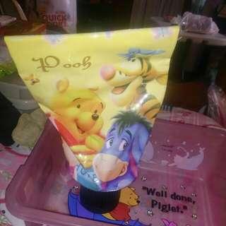 Winnie d pooh toothpaste tissue holder