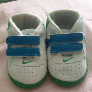 Baby Shoes (Nike)