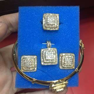 1 huego in yellow gold 14k with real diamonds