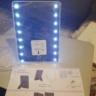 LED dimmable Make-up mirror
