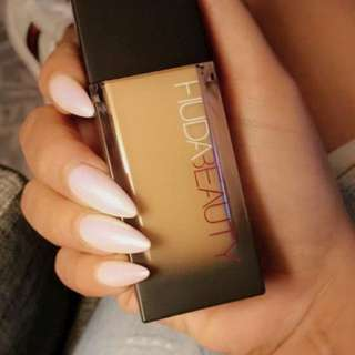 💄❤️ Huda Beauty Huda Kattan #FauxFilter Velvety Liquid Foundation Full Coverage Airbrushed Finish 35ml