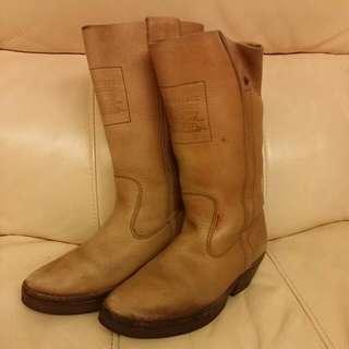 Levis vintage leather boots