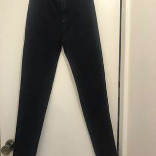 PLT highwaisted black jeans, aus 6