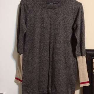 Roots long sweater sz. Small