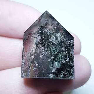 Cute Standing Point Clear Phantom Quartz Lodolite / Inclusion Quartz Crystal 幽灵白水晶 for the Year of the Dog, green phantom is for those born in the year of the rat, ox, tiger, rabbit, dragon, monkey