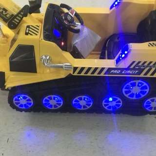 big backhoe 12PCs LED lights 2 driver sounds USB TF remote control battery12V6AH