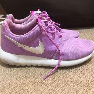 Nike pink runners