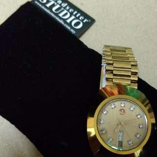 Jam RADO untuk dijual