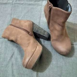 Preloved ankle boots