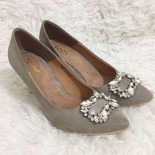 Noche suede heels