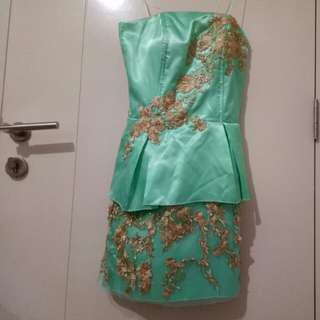 peplum dress pesta tosca