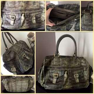 Prima Weekend Bag in Phyton Skin Green