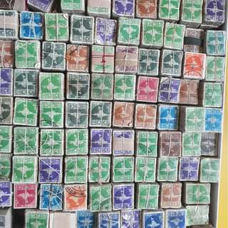 100 x 100 Bundles - Definitive Stamps - 3rd Series-B (1958-1963) Map of India