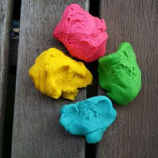 Non-Toxic Homemade Playdough
