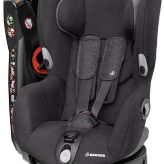 Maxi-Cosi Axiss: Swivel Toddler Car Seat (Black)