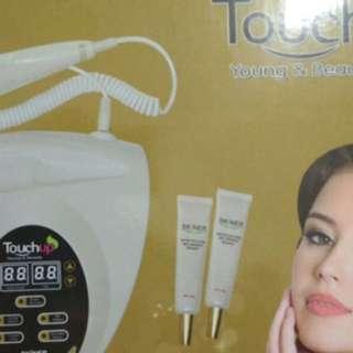 Massage & setrika wajah bikin wajah licin