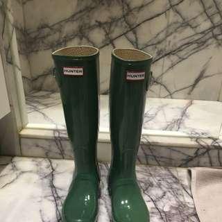 Hunter Rain Boots With Fleece Socks