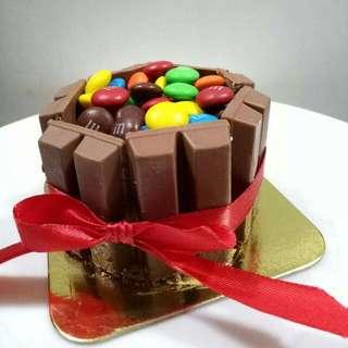 Kitkat With MnM's Cake