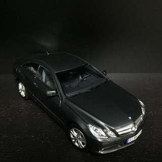 1/18 Norev Mercedes E500 Coupe