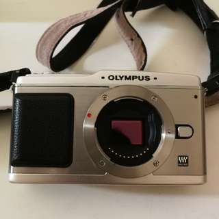 Olympus Pen - E1 - Body + Electronic Flash FL-14