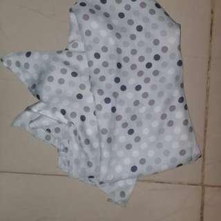 Hijab square satin polcadot