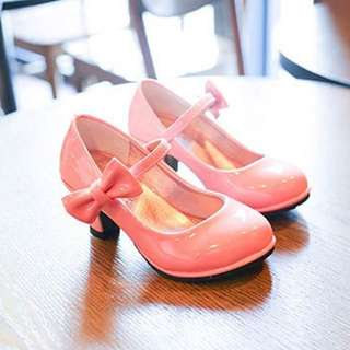 High heeled pink shoes with bow knot decor