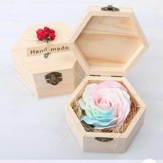 [送禮之選] 華麗香皂玫瑰*夢幻迷彩 配木製禮盒