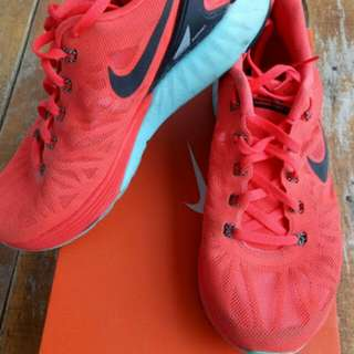 Nike running shoes lunarglide 6