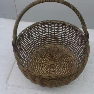"""8"""" brass weaved basket"""