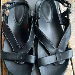 Pedro sandal
