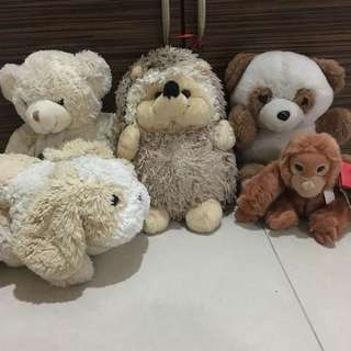 Bundle of stuffed toys