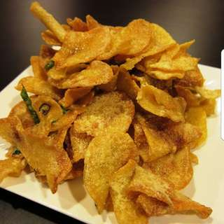 Home-Made Salted Egg Potato Chips / Fish Skin